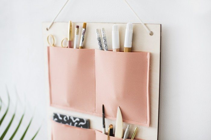Keep your work space neat by making a simple diy desk - Diy desk organizer ideas ...